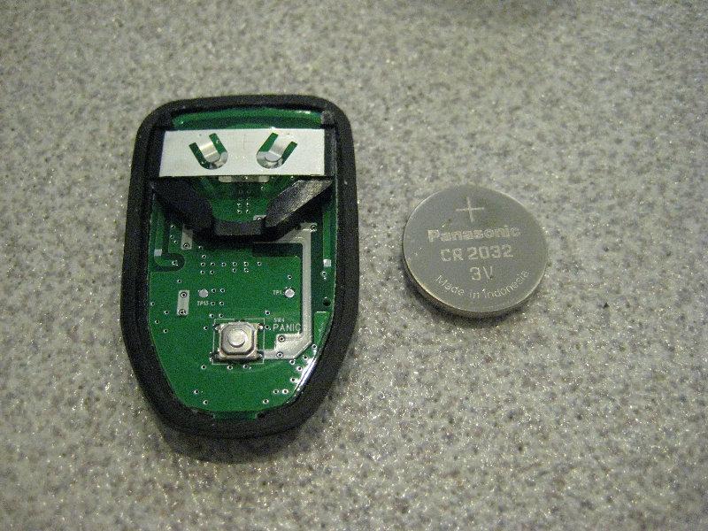 Hyundai Elantra Key Fob Battery Replacement Guide 007