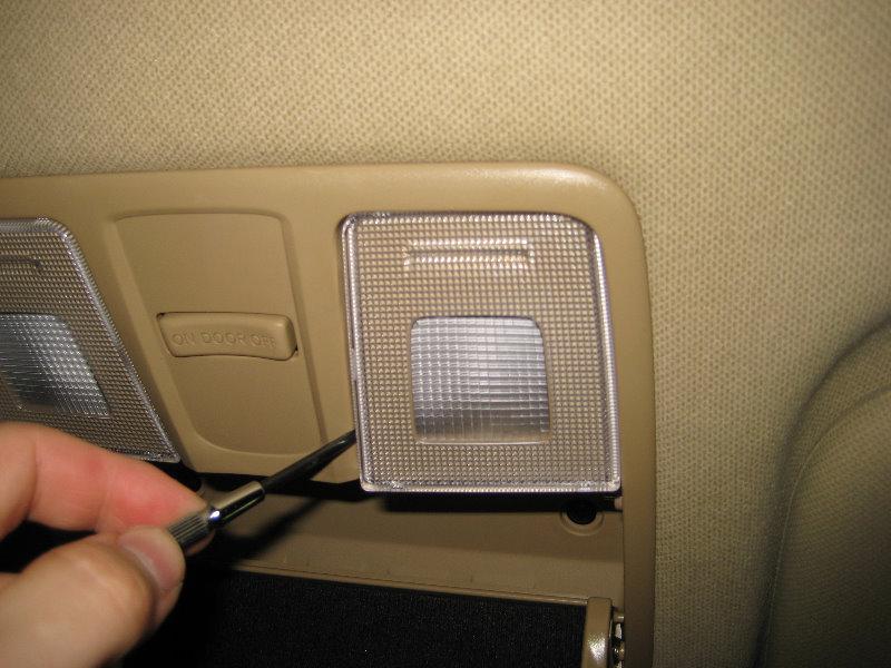 Hyundai Elantra Overhead Map Light Bulbs Replacement Guide on Hyundai Elantra Light Bulbs