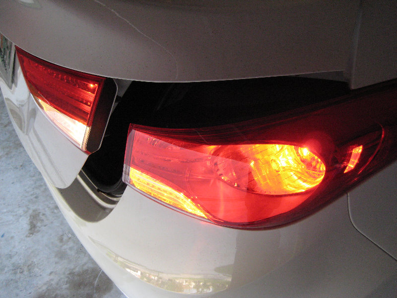 Hyundai Elantra Tail Light Bulbs Replacement Guide 042
