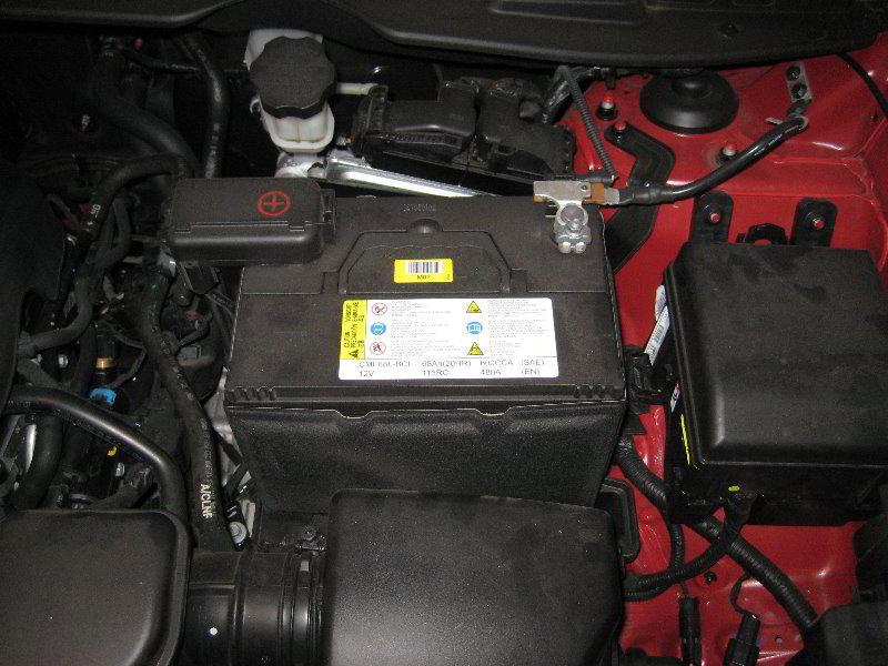 Hyundai Tucson 12v Automotive Battery Replacement Guide 001