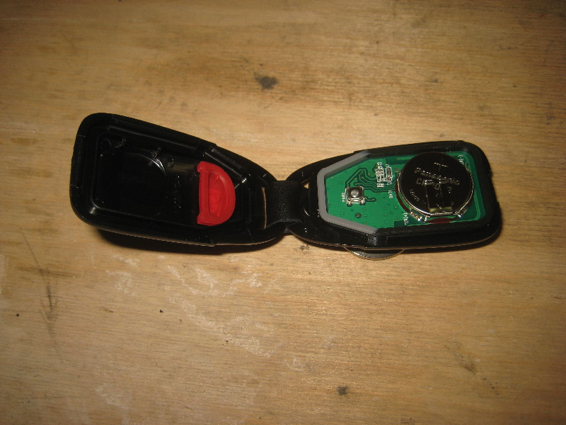 Hyundai Veloster Key Fob Battery Replacement Guide 005