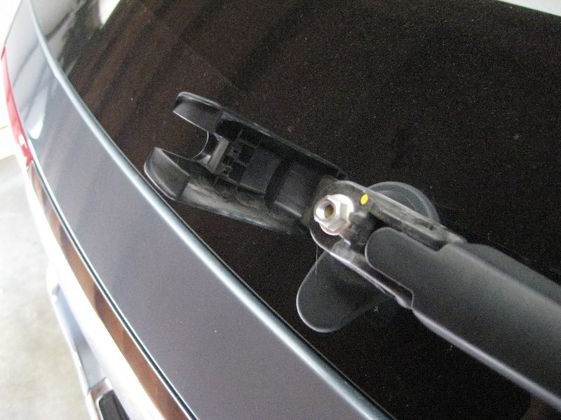 Jeep Grand Cherokee Rear Window Wiper Blade Replacement