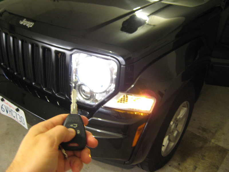 Jeep-Liberty-Key-Fob-Battery-Replacement-Guide-015