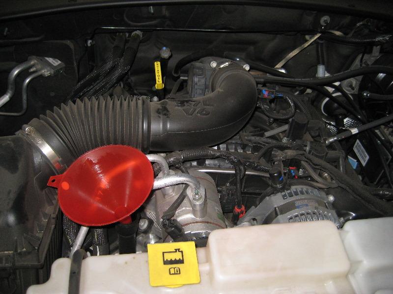 jeep liberty powertech ekg v6 engine oil change guide 016. Black Bedroom Furniture Sets. Home Design Ideas