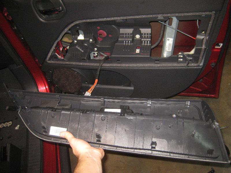 2007 2016 Jeep Patriot Interior Door Panel Removal Guide 096
