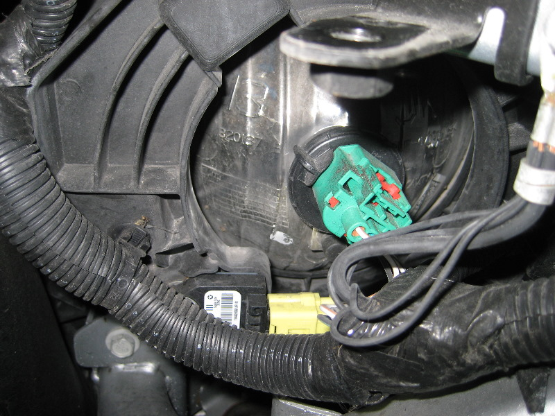 Service Manual How To Replace Headl Bulb 2007 Jeep