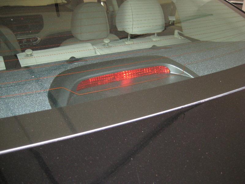 Kia Rio High Mount 3rd Brake Light Bulb Replacement Guide 001