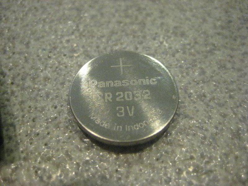 Kia-Sedona-Key-Fob-Battery-Replacement-Guide-009