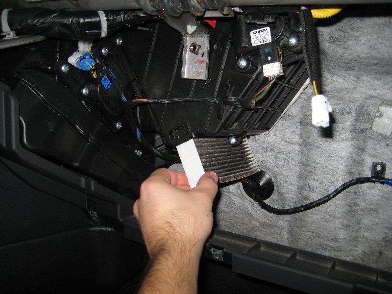 Kia soul hvac cabin air filter replacement guide 021 for Kia soul cabin air filter