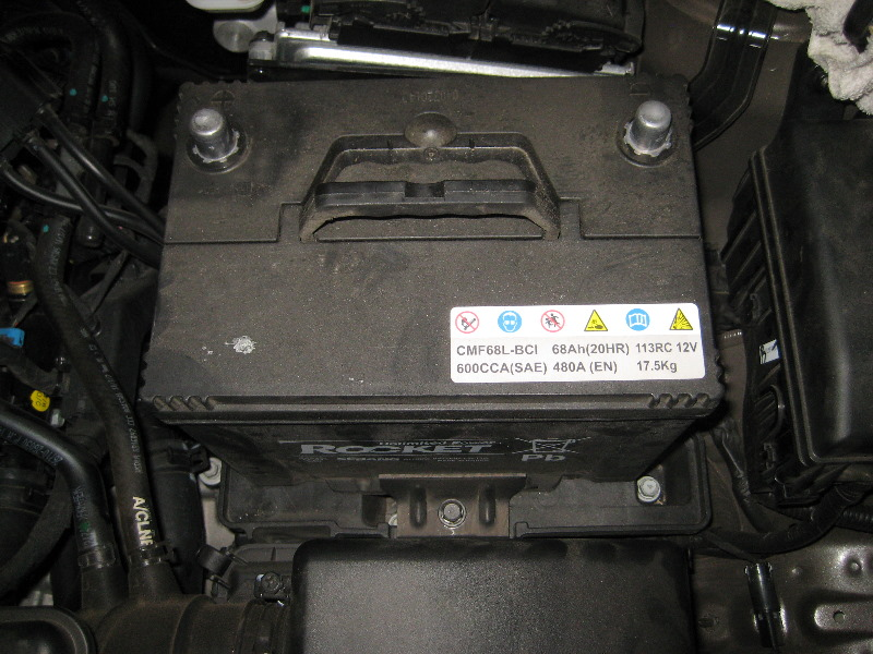 Kia Sportage 12v Automotive Battery Replacement Guide 014