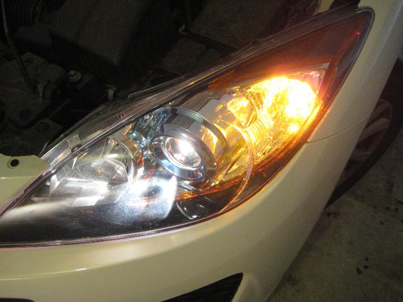 Mazda Mazda3 Headlight Bulbs Replacement Guide 042