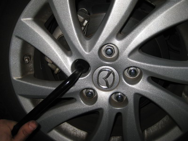 mazda mazda3 rear brake pads replacement guide 045. Black Bedroom Furniture Sets. Home Design Ideas