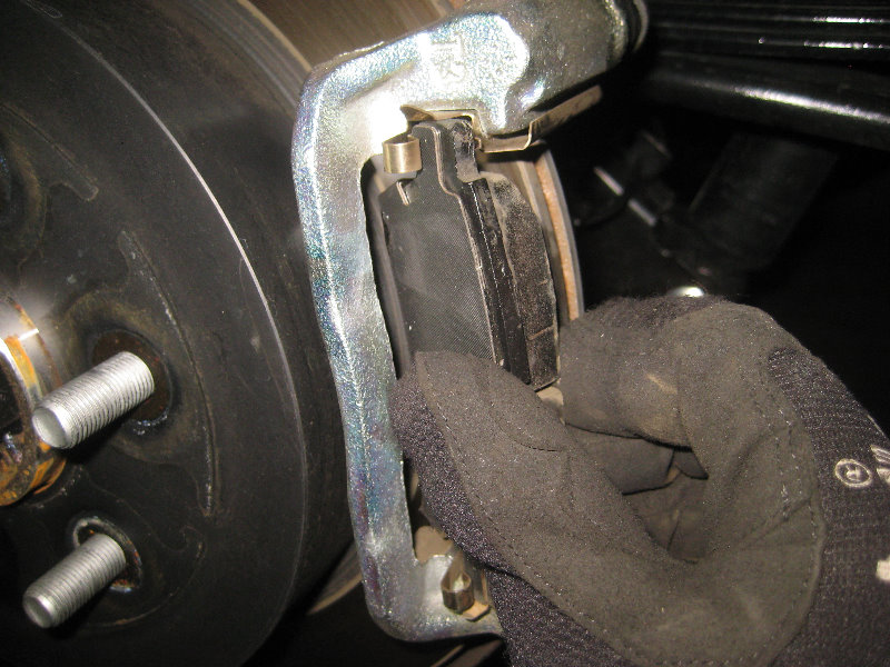 Nissan Frontier Rear Disc Brake Pads Replacement Guide 024
