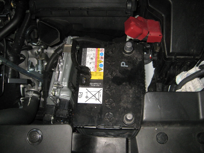 Nissan-Murano-12-Volt-Automotive-Battery-Replacement-Guide-028