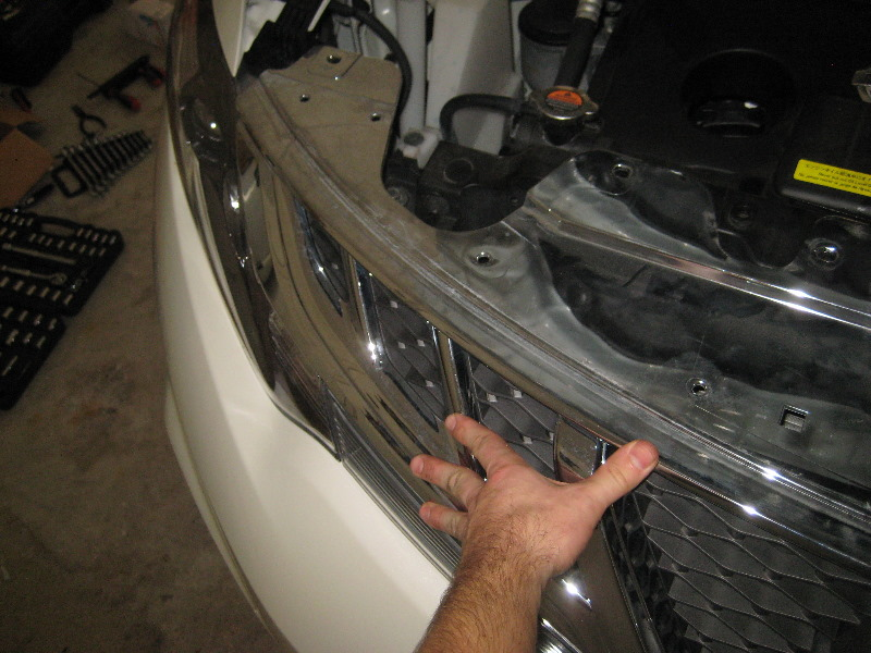 how to change headlight bulb on a nissan 370z