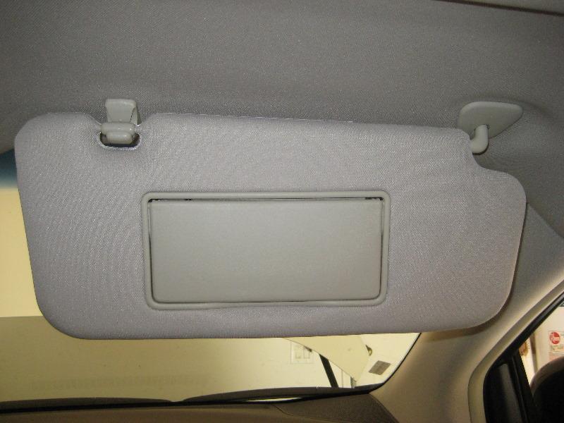 Nissan Murano Vanity Mirror Light Bulb Replacement Guide 001