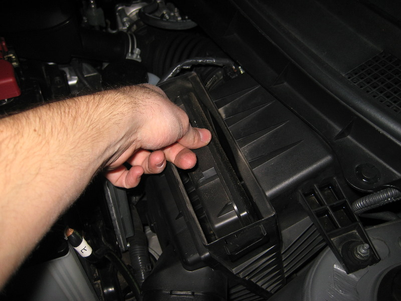 Manual Engine Zd Nissan as well Nissan Sentra Incabin Filter Replacement Procedure as well  besides Nissan Rogue Engine Air Filter Replacement Guide additionally Locate Nissan Sentra Cabin Air Filter. on 2012 nissan sentra cabin air filter location