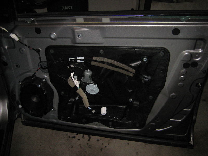 Nissan Rogue Interior Door Panel Removal Guide 024