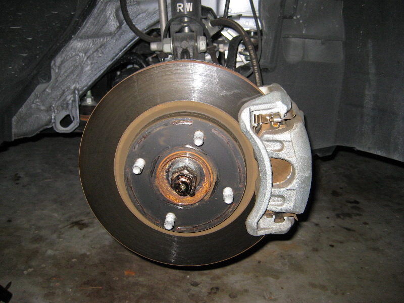 Nissan Versa Front Brake Pads Replacement Guide 006