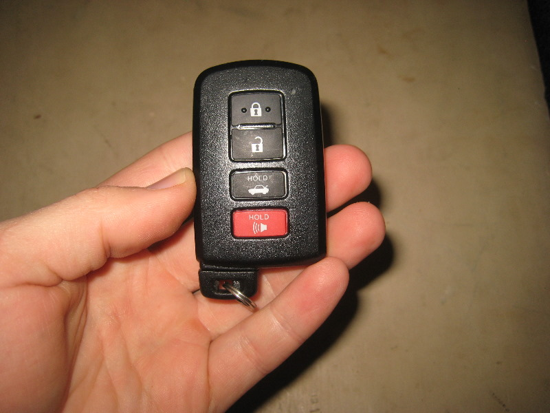 Toyota Key Fob Battery >> Toyota Avalon Key Fob Battery Replacement Guide 020