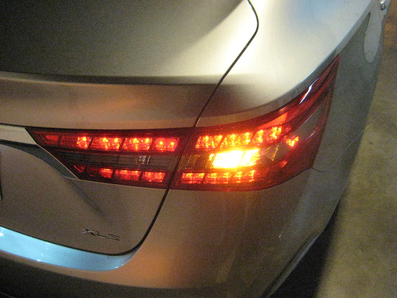 Toyota Avalon Tail Light Bulbs Replacement Guide 036
