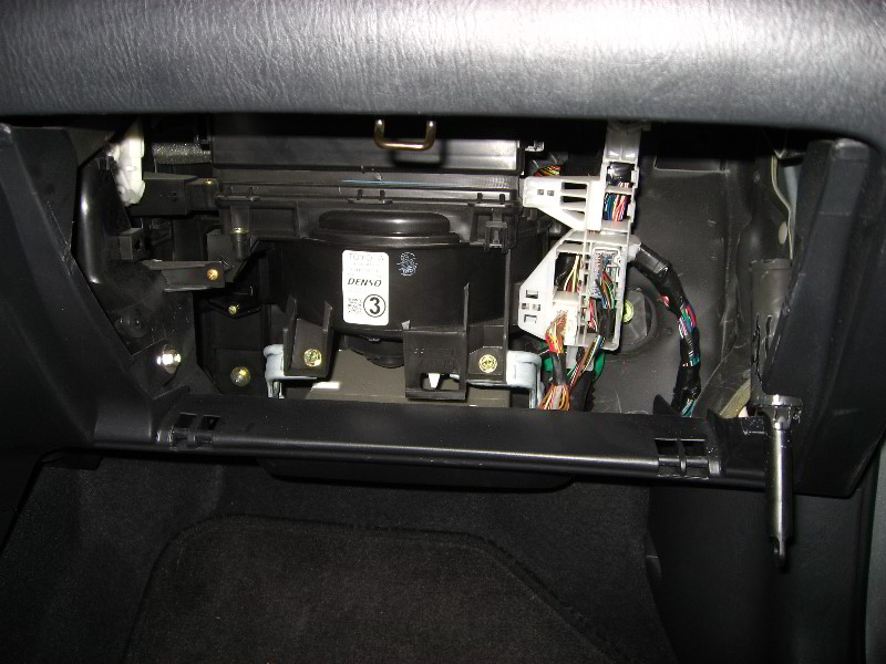 2007 Jeep Wrangler Transmission Diagram further Nissan Quest Cabin Air Filter Location besides Toyota 1nz Fe Engine Cylinder Location likewise Tundra 204WD additionally Gmc Sierra Wiring Diagram Further 2003. on toyota tundra cabin filter location