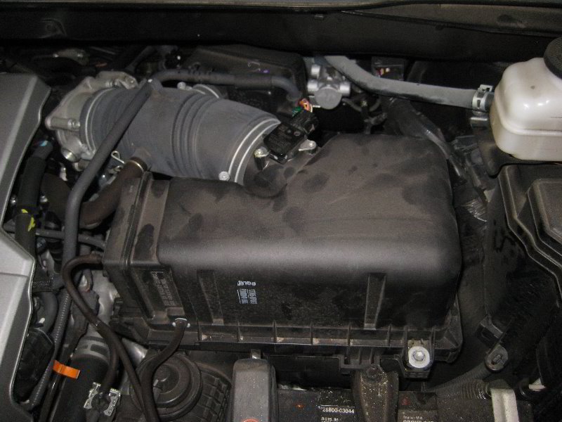 how to change engine air filter in toyota venza