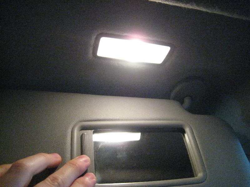 Toyota Highlander Vanity Mirror Light Bulb Replacement