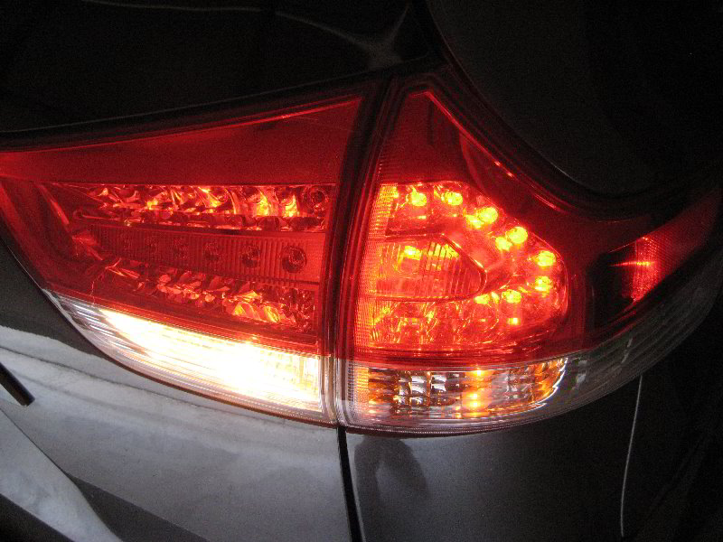 Toyota Sienna Tail Light Bulbs Replacement Guide 036