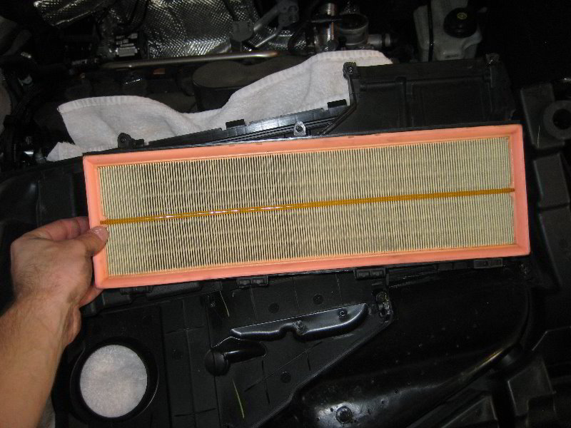 VW-Jetta-I5-Engine-Air-Filter-Replacement-Guide-024